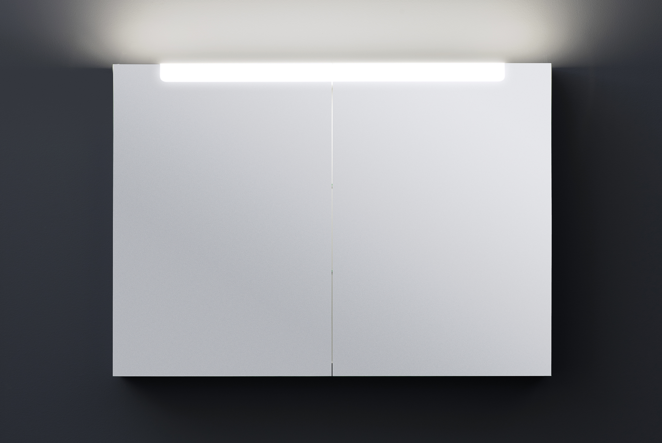 A60 spegelskåp med ovanbelysning   aspen