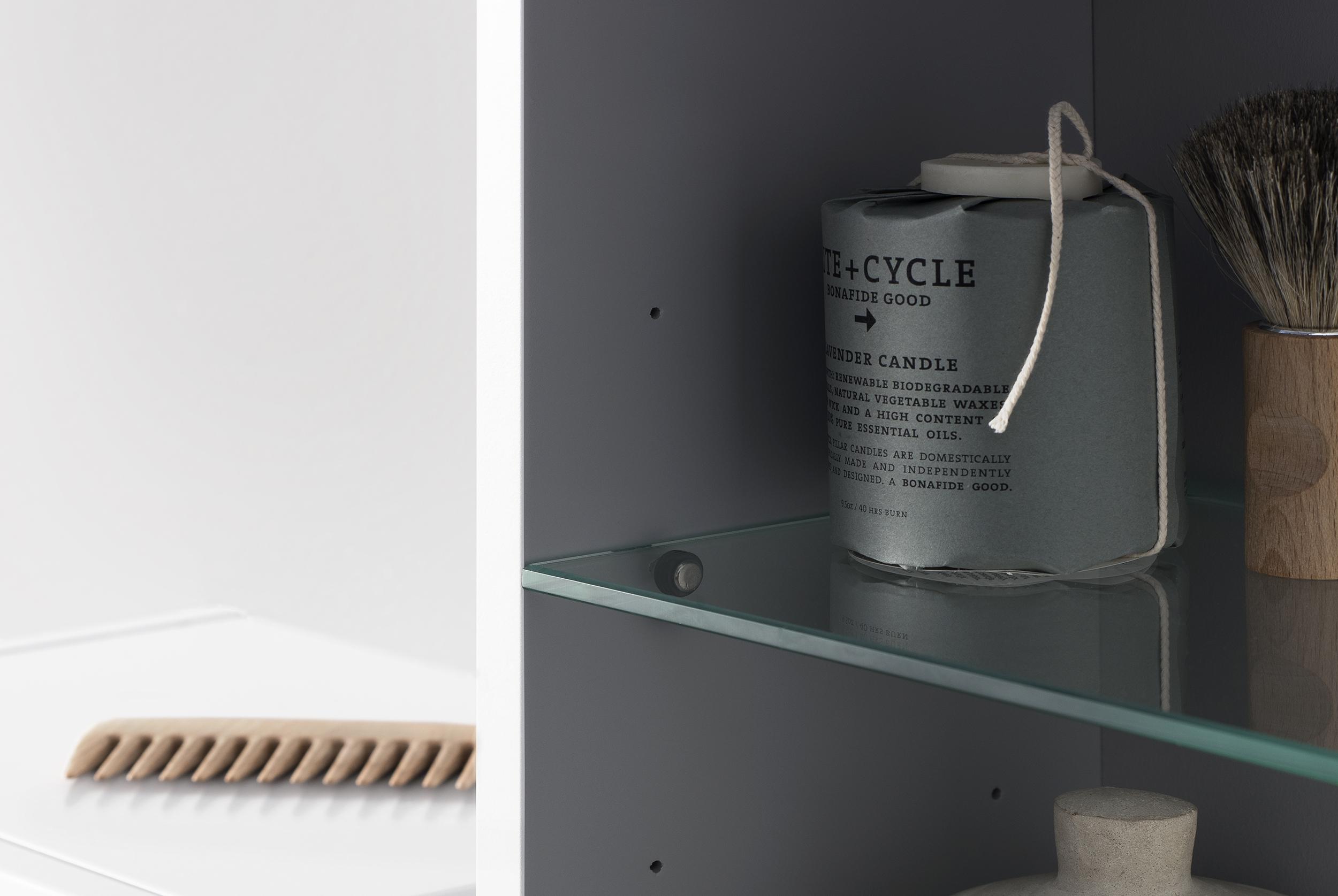 A väggskåp 300*1200, utan lucka, med hyllplan i glas & trä   aspen